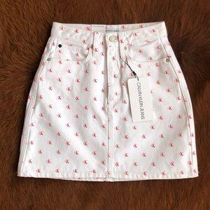 Calvin Klein high rise mini skirt 💋